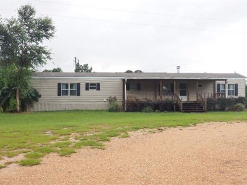 Residence 2 Br, 2 Bath With 3 Acres : Summit : Pike County : Mississippi