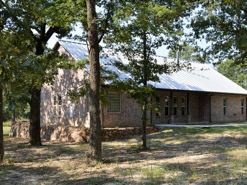 Custom Brick Home 3 Ac With 3/2.5 : Sulphur Springs : Hopkins County : Texas