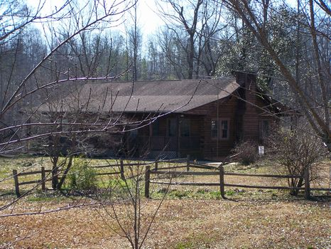 Horse Farm and Log Home on 15 Acres : Lineville : Clay County : Alabama