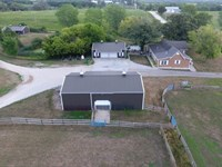 Thoroughbred Farm : Saint Charles : Madison County : Iowa