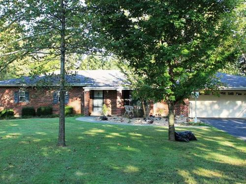 Large Home on 4.5 Acres in Butler : Poplar Bluff : Butler County : Missouri