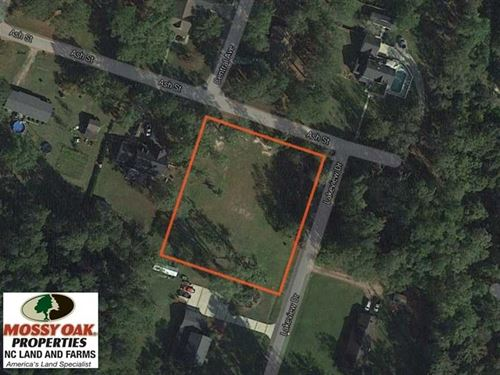 Under Contract, Residential Lot : Lake Waccamaw : Columbus County : North Carolina
