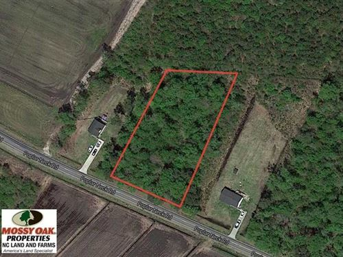 Reduced, 1.08 ac Lot For Sale in : Hertford : Perquimans County : North Carolina