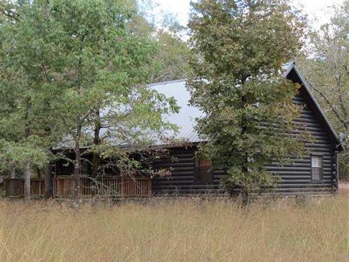Real Log Cabins X 2 Close to Hocha : Broken Bow : McCurtain County : Oklahoma