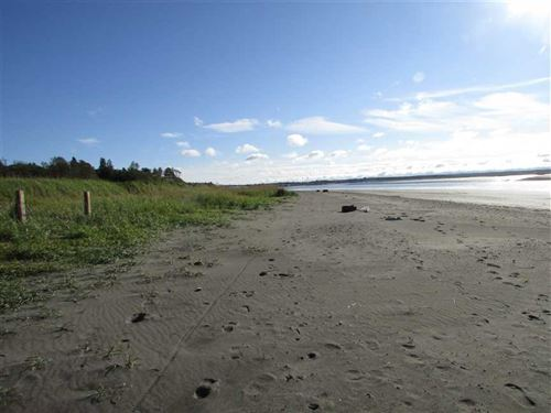 ON The Beach. Motivated Seller : Kenai : Kenai Peninsula Borough : Alaska
