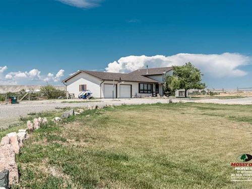 Four Bedroom, Two Bath Home on 4.4 : Powell : Park County : Wyoming