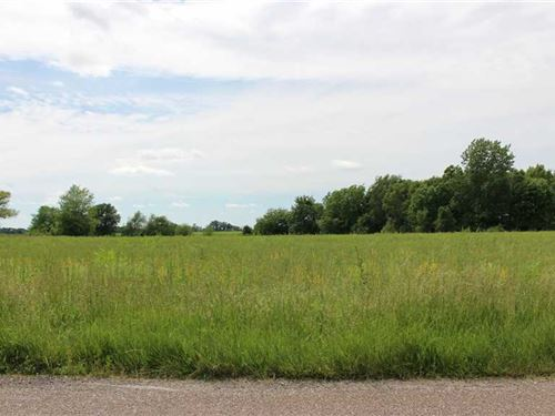 Eleven Acre Property Ready For Dev : Vandalia : Audrain County : Missouri
