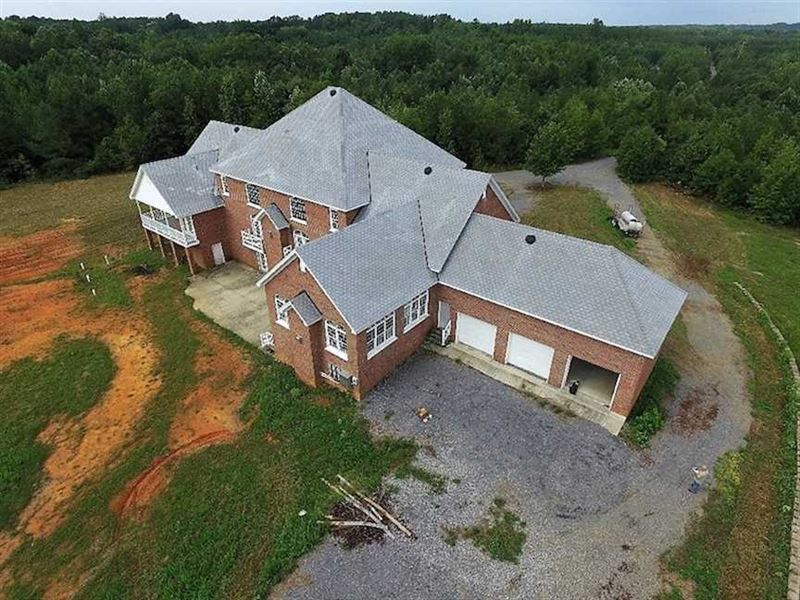 10 Acres of Residential Land For : Wilsons : Dinwiddie County : Virginia