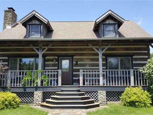 Beautiful Poplar Log Cabin With po : Butlerville : Jennings County : Indiana