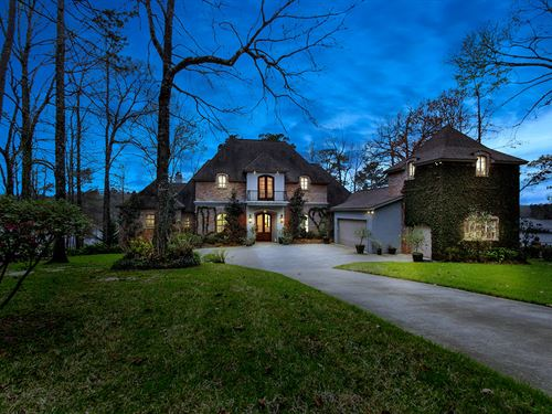 Luxury Waterfront Estate : Boyce : Rapides Parish : Louisiana