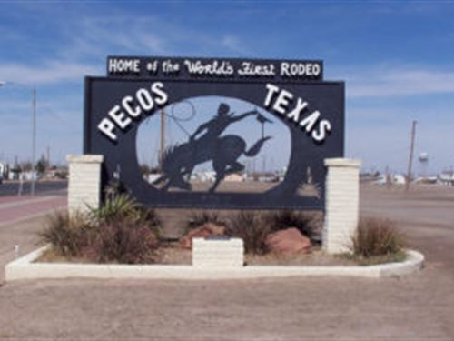 Lot Less Than Half Mile From I-20 : Pecos : Reeves County : Texas