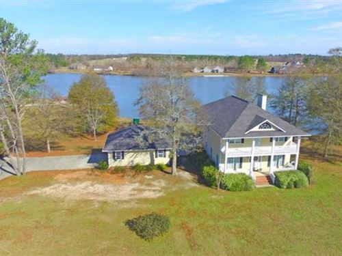 Gorgeous Lakefront Home in Cochran : Cochran : Bleckley County : Georgia