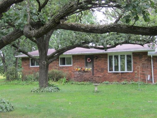 Cozy Ranch Home With A Pond : Poynette : Columbia County : Wisconsin