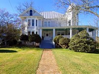 Farmhouse For Sale In Grayson : Mouth Of Wilson : Grayson County : Virginia