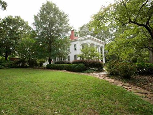 Multi-Zoned 5 Br Historic Home : Madison : Morgan County : Georgia