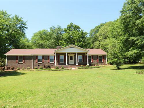 Beautiful Home With 5 Acres : Madison : Morgan County : Georgia