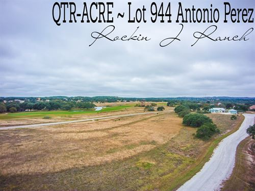 .26 Acres In Blanco County : Blanco : Texas