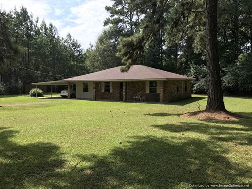 Home On 2+/- Acres : McComb : Pike County : Mississippi