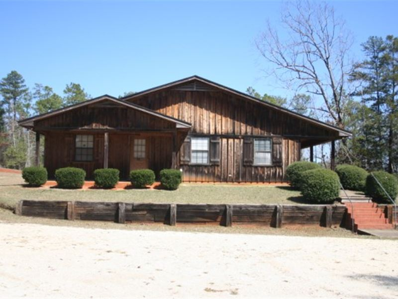 Office Building & 10 Acres : Greenville : Butler County : Alabama
