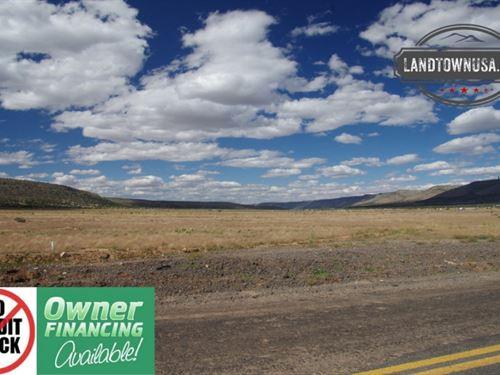2.15 Acre Seligman Lot Paved Road : Seligman : Yavapai County : Arizona