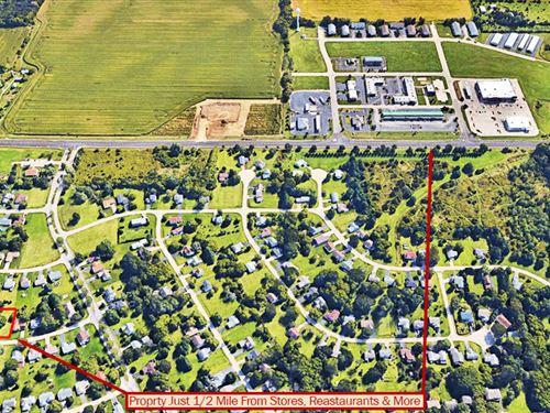 Beautiful Lake Property : Poplar Grove : Boone County : Illinois