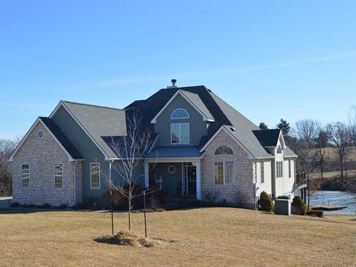 Executive Home On Acreage For Sale : Atchison : Kansas