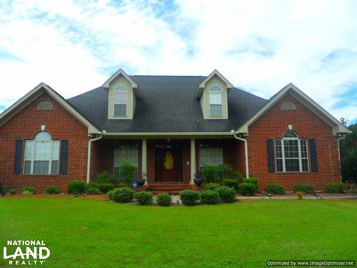 Beautiful Home With Many Amenities : Kosciusko : Attala County : Mississippi