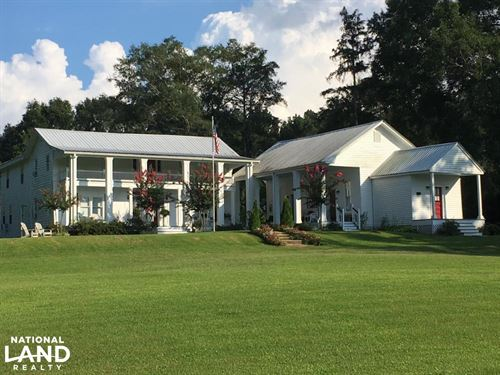 Colonial Revival Home & Guest House : Kosciusko : Leake County : Mississippi