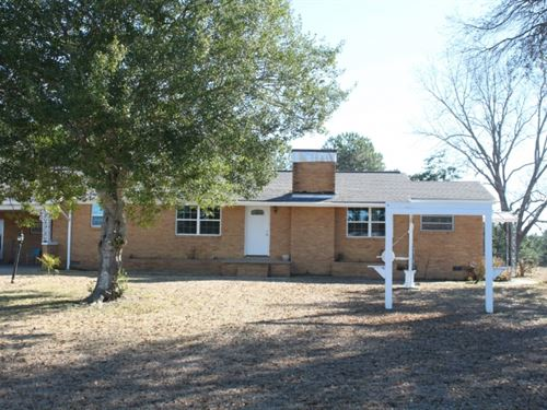 Newly Remodeled Home On 3 Acres In : Laurel : Jones County : Mississippi