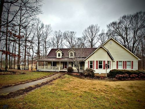 5 Bedroom Home On 3.4 Acres : Paris : Henry County : Tennessee