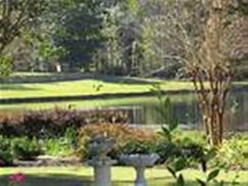 Pool, Pond, Great Neighborhood : Moultrie : Colquitt County : Georgia