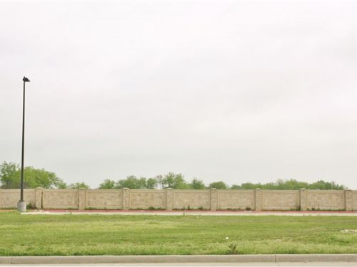 Commercial Medical Lot : Sulphur Springs : Hopkins County : Texas