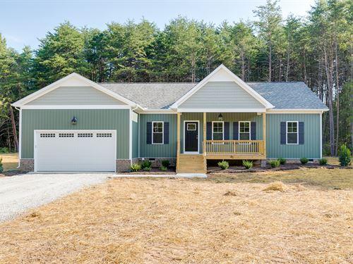 Beautiful New Home On 3 Acres : Gum S : Goochland County : Virginia