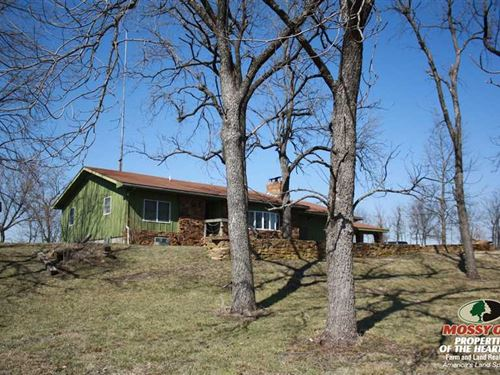 Rural Home With Acreage, Pond And : Buffalo : Woodson County : Kansas