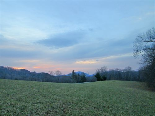 Mountain Beauty With Convenience : Boone : Watauga County : North Carolina