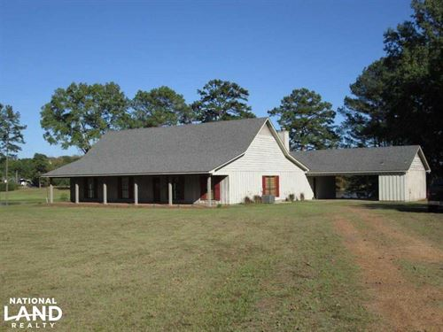 Hinds Co Residence With Lake : Raymond : Hinds County : Mississippi