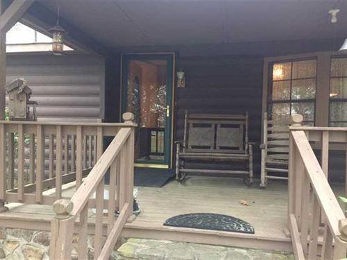 3Br, 3Ba on 1.32 Acres on 848 : Gadsden : Etowah County : Alabama