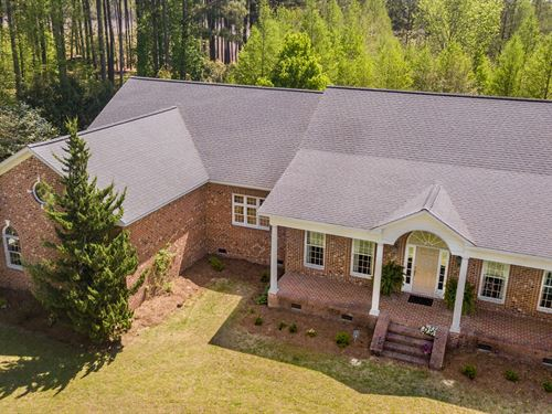 Country Estate With 5 Acres : Plymouth : Washington County : North Carolina