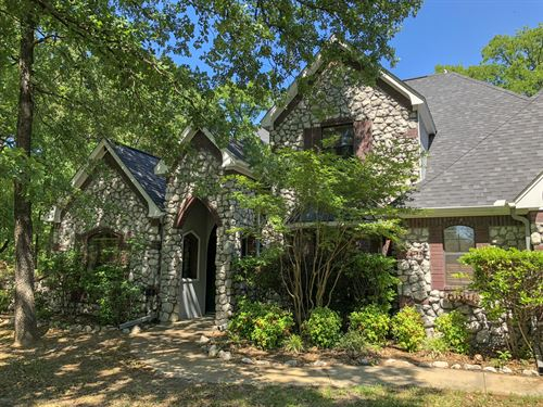 Beautiful Custom Home On Wooded Lot : Sulphur Springs : Hopkins County : Texas