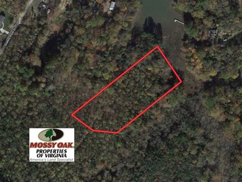 6.3 Acres of Waterfront Land For : Middlesex : Virginia