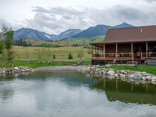 Immaculate Paradise Valley Home : Livingston : Park County : Montana