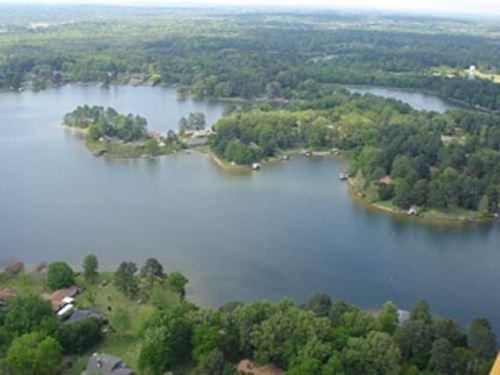 1 Ac. Beautiful Private Lake : Madison : Mississippi