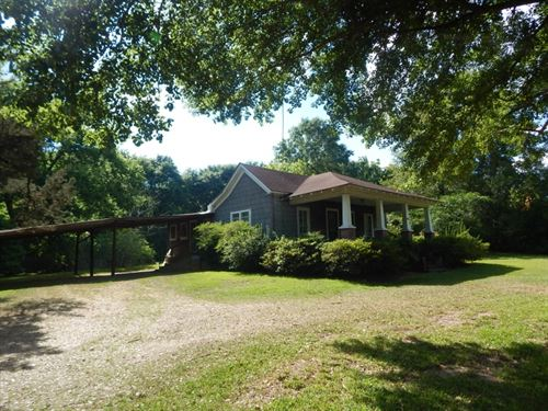Home With Large Lot : McComb : Pike County : Mississippi