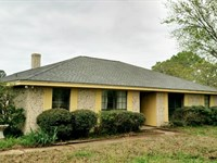 Brick Country Home : Bogata : Red River County : Texas