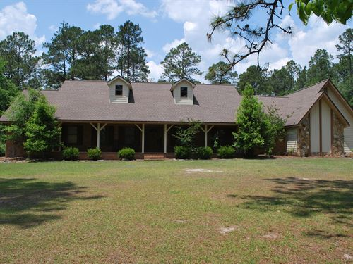 Beautiful Home With Acreage : Odum : Wayne County : Georgia