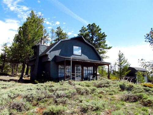 Elk Ridge Cabin : Tie Siding : Albany County : Wyoming