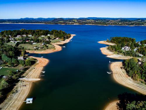 Private Cherokee Lakefront Home : Talbott : Hamblen County : Tennessee