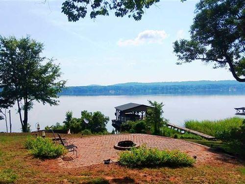 Waterfront Cabin On Lake Striker : Jacksonville : Cherokee County : Texas