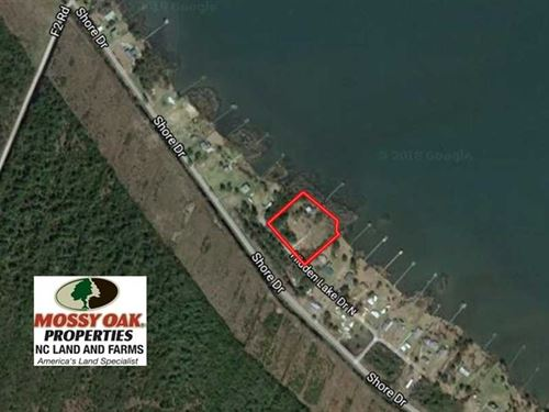 2.93 Acres of Waterfront Residenti : Creswell : Washington County : North Carolina