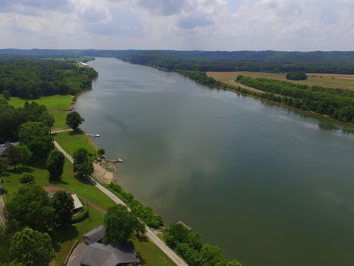 Tennessee River Retreat : Clifton : Perry County : Tennessee